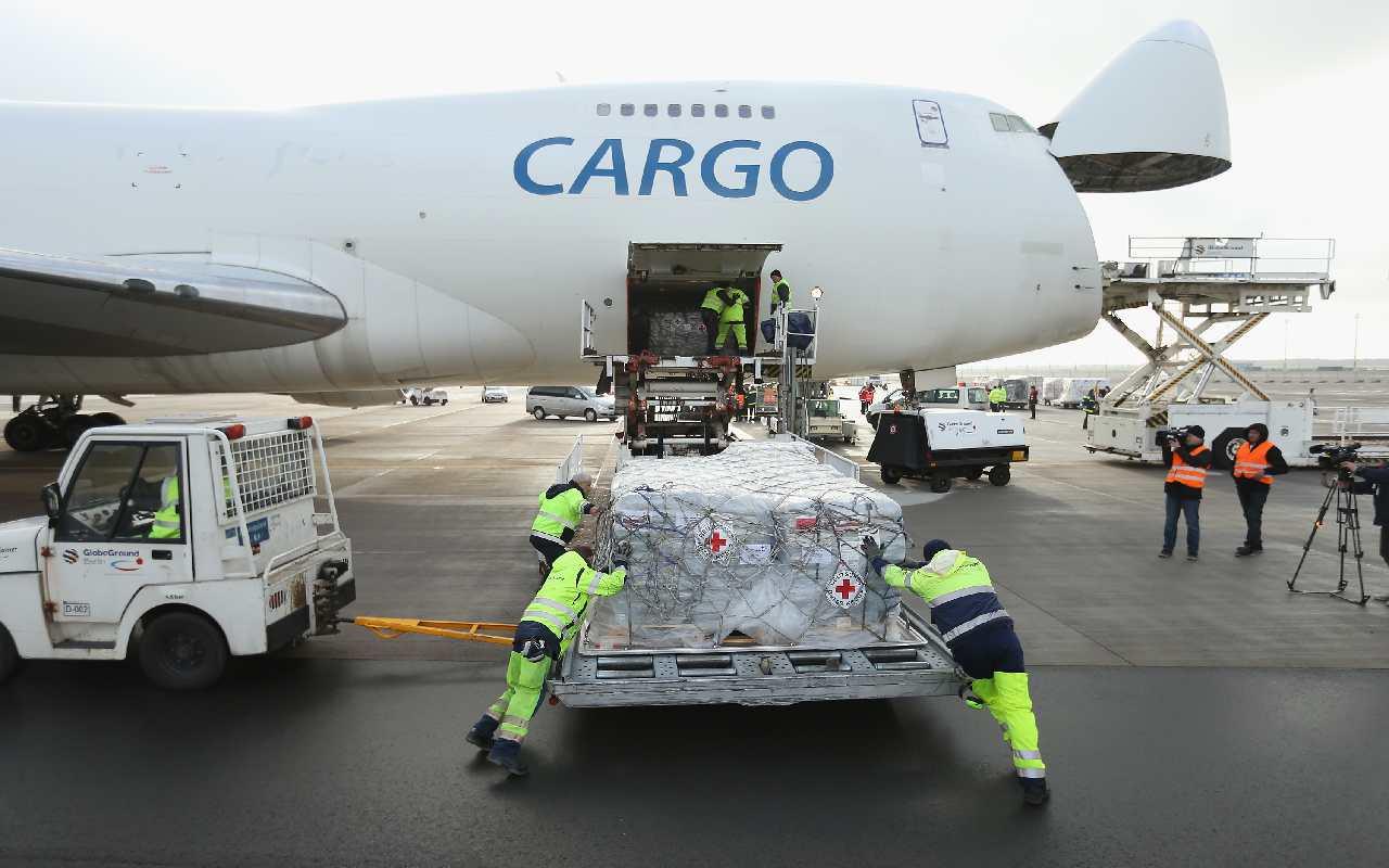 ارسال بار با کارگو از ترکیه به ایران در فرودگاه