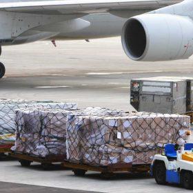 کارگو از ترکیه در فرودگاه