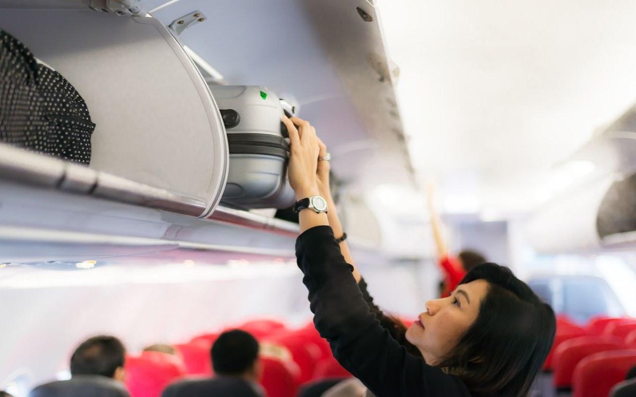 ارسال کالا از کانادا به ایران با فریت بار هوایی