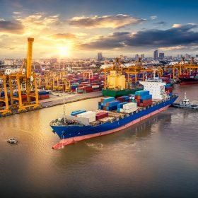 کشتی-حمل-بار-دریایی-به-دبی