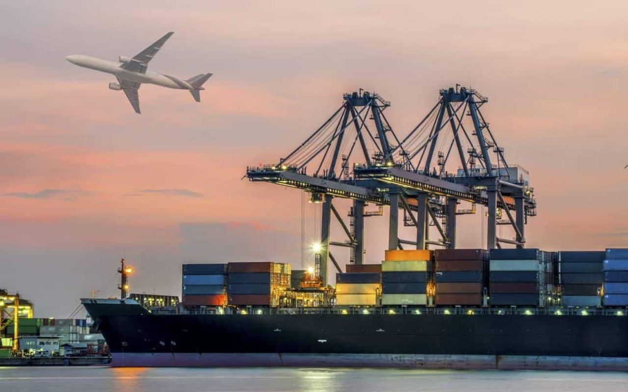 حمل بار به کانادا با کشتی و هواپیما